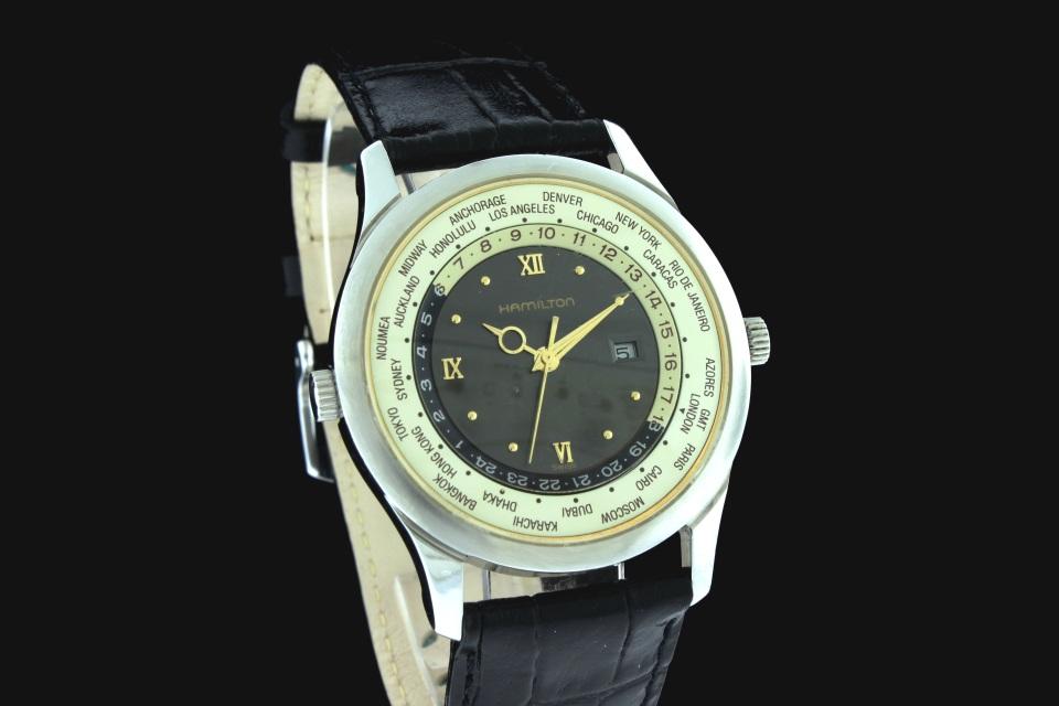 Vintage Watches For Sale >> World Timer 8984 Quartz - SOLD